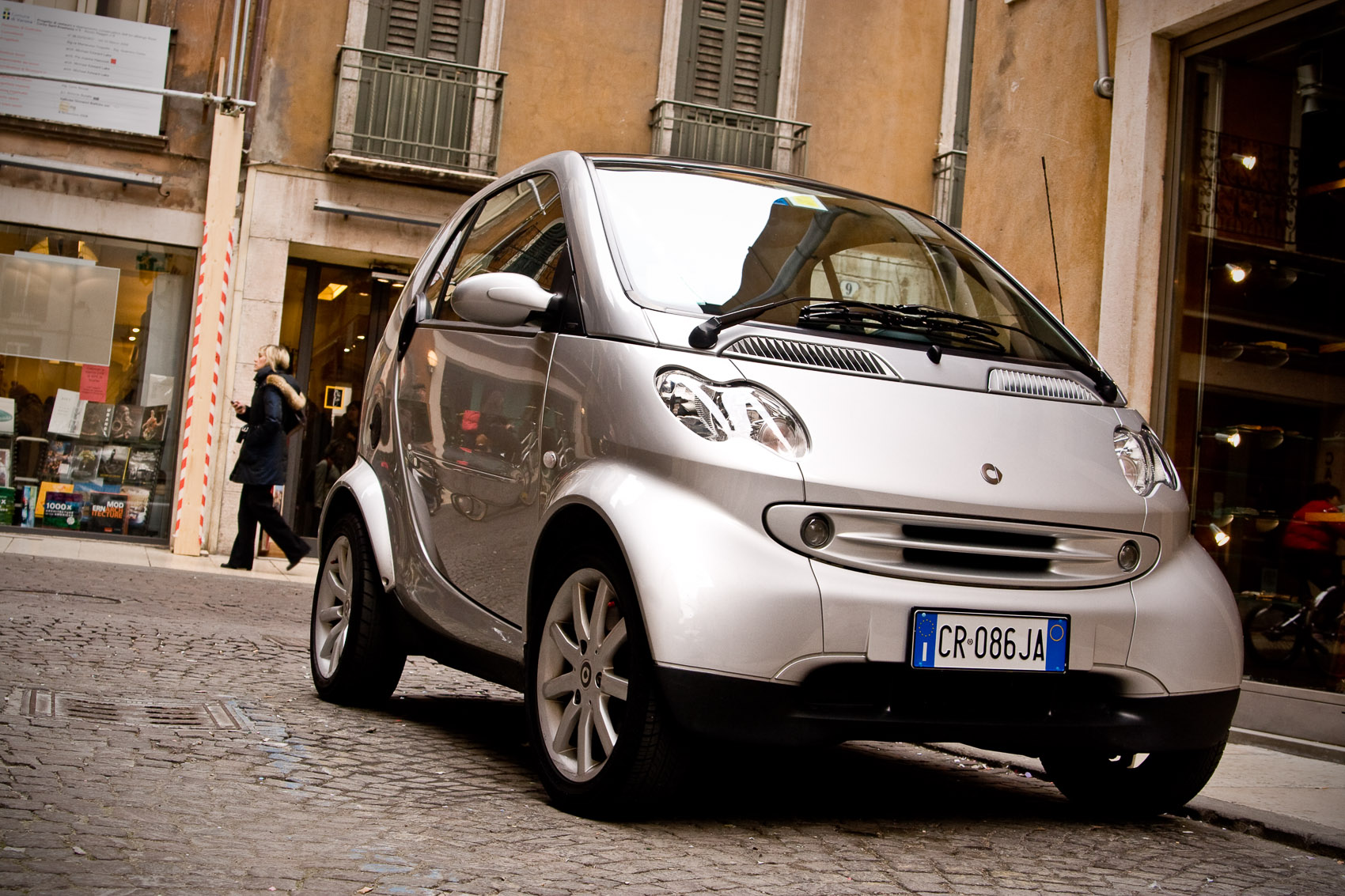 Location Photograph of Smart fourtwo on a Street in Verona, Italy | J. Eldon Zimmerman Photography | Lancaster, PA Commercial Photographer