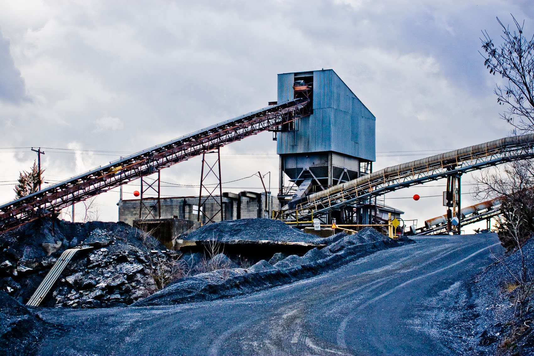 Limestone Quarrying Conveyors and Crushing Equipment | J. Eldon Zimmerman Photography | Lancaster, PA Industrial Photographer